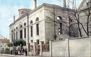 Sierpień 1915 r. kościół Świętej Trójcy w Rawiczu po pożarze