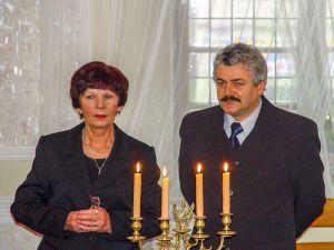 Stefania Lis, kierownik USC i burmistrz T. Pawłowski